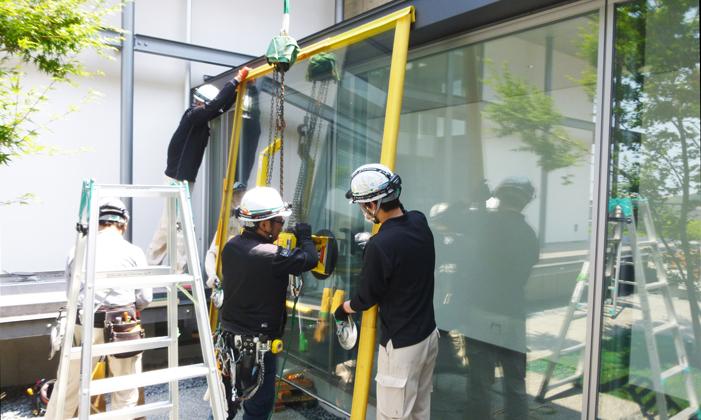一般家庭での窓ガラス施工の流れ③既存ガラス撤去
